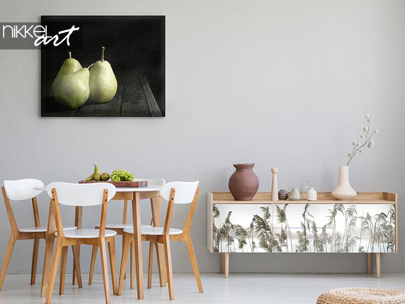 Photo sur toile poires sur table en bois, sticker meuble Reed au bord d'un lac