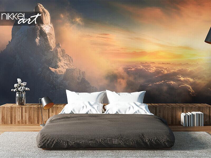 Papiers Peints photo Beau paysage aérien de crête de montagne au coucher du soleil au-dessus des nuages