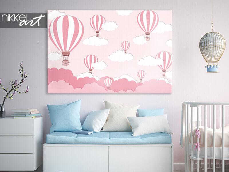 Photo sur toile Ballon rose sur fond de ciel bleu vif