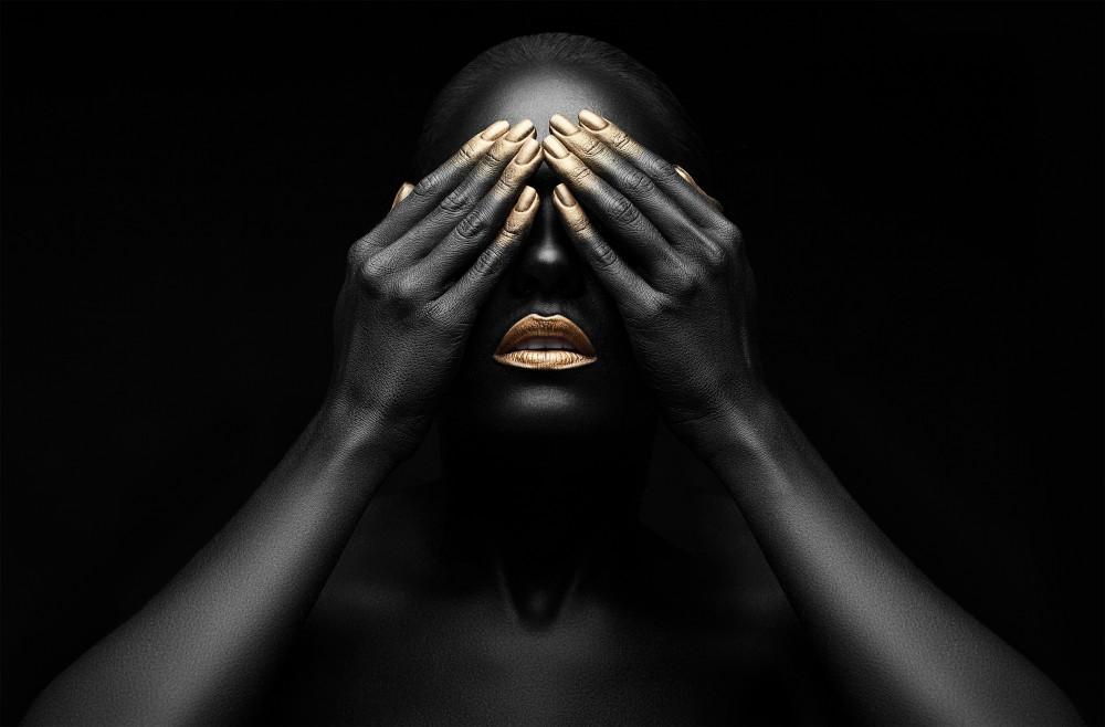 Femmes noires avec maquillage doré  53688008