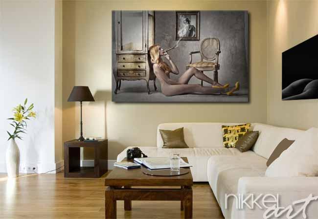 Photo sur Plexiglas Femme nue fumant un cigare