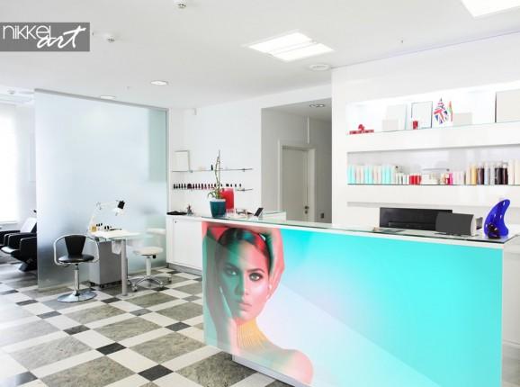 Salon de beauté avec Photo sur Verre au Comptoir