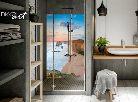 Crédence de salle de bain en verre d'un plage